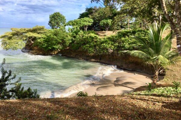 Ocean Front Island - Bocas del Toro, Panama